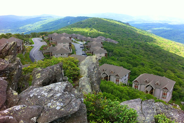 The reserve at sugar mountain peak real estate banner for Country mountain homes