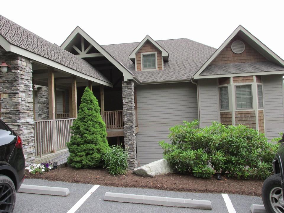 2 1 peak real estate banner elk nc real estate banner for Banner elk home builders